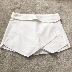Zara white asymmetrical skort